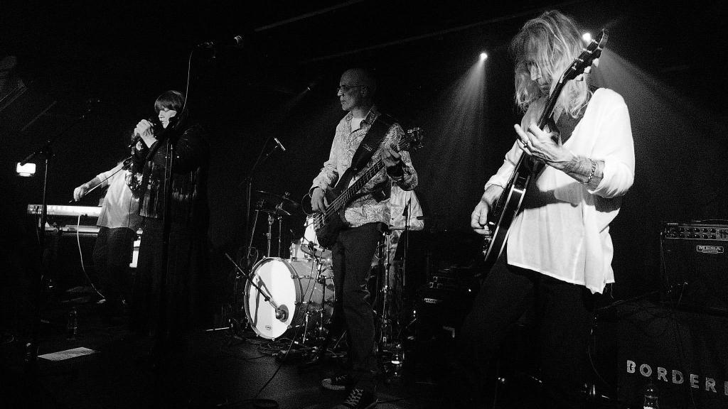 70s music – Court of the Crazy Diamond
